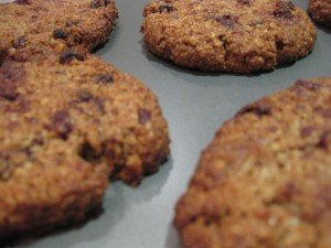 yummy_chocolate_oat_raisin_cookies
