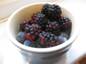 blackberries_blueberries