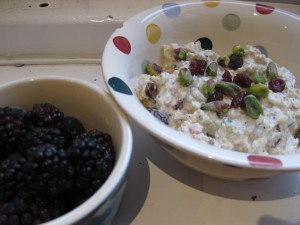 bircher_muesli_with_berries