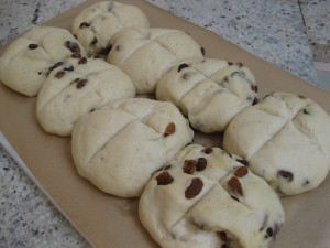 hot_cross_buns_rising
