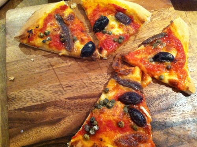 homemade_pizza
