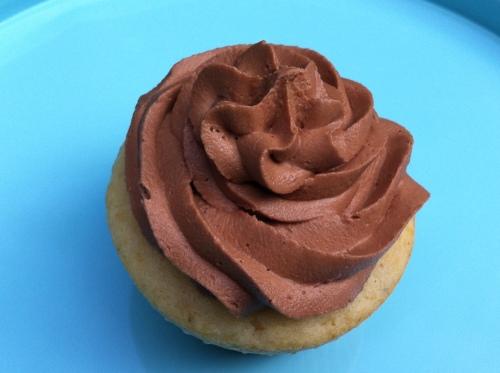 simple_hazelnut_cupcake