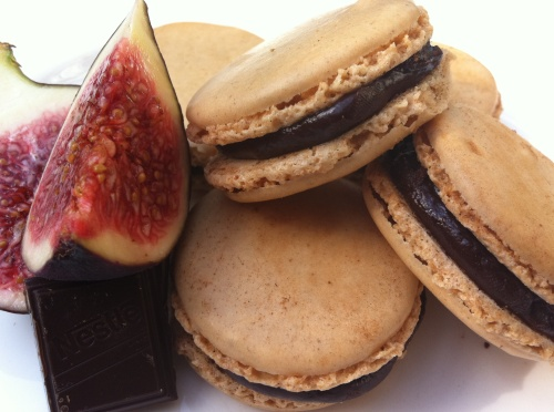 fig_chocolate_macarons