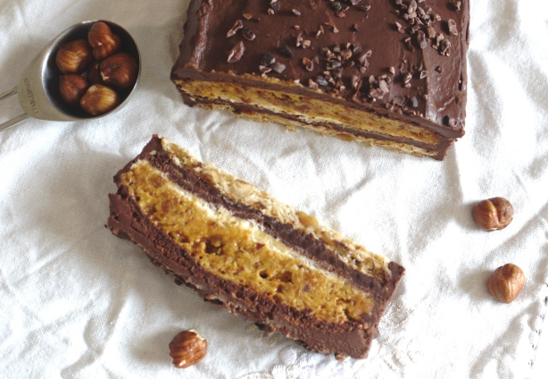 hazelnut_meringue_cake