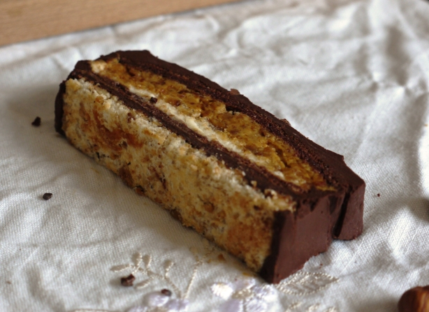 hazelnut_dacquoise_cake