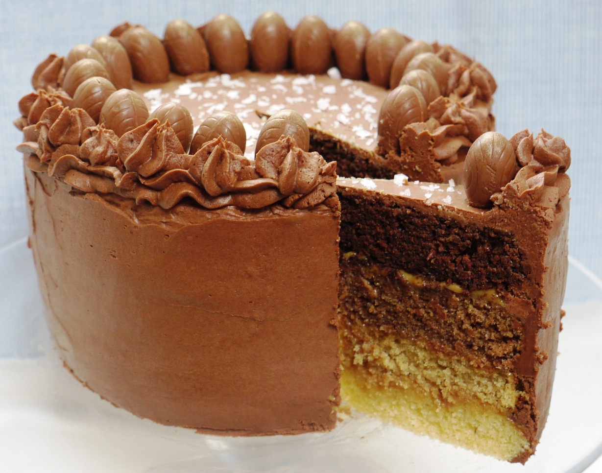 Mexican Chocolate Cake With Caramel Frosting