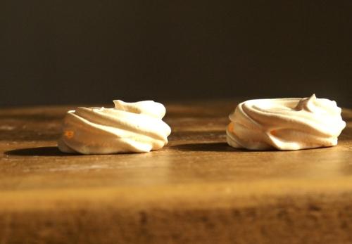 crisp mini meringues