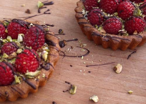 raspberry pistachio tartlets