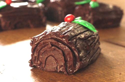 Chocolate Amaretto Yule Logs