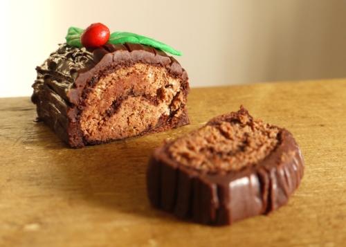 Chocolate Log via @thelittleloaf