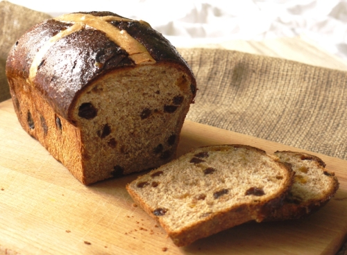 Wholemeal hot cross loaf