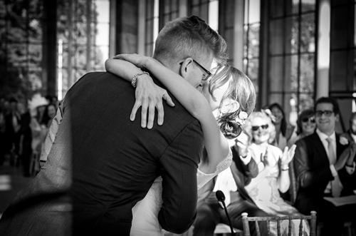 Ceremony kiss