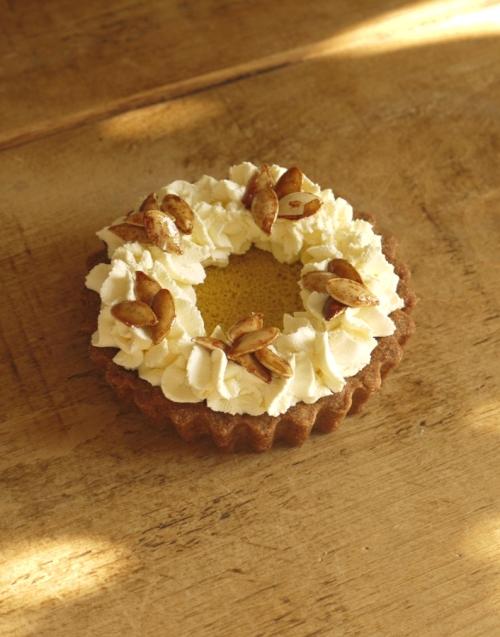 Maple Pumpkin Pie, Wholemeal Spelt Crust / thelittleloaf